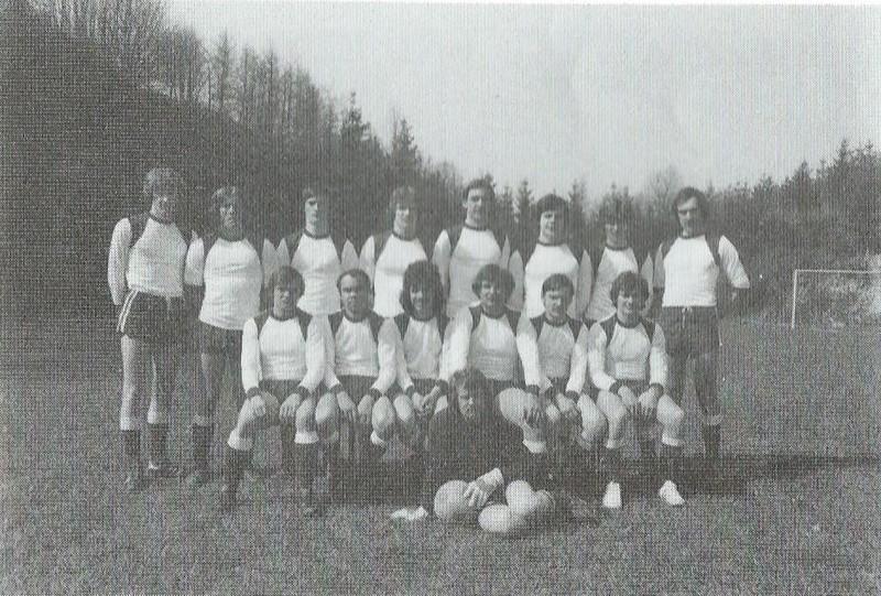 1974: Gründung, Aufstieg und eigentlich Bezirksliga – Die ersten Jahre