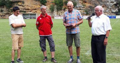 Walter Hinkes erhält Bronzene Ehrennadel des Fußball-Verbandes Rheinland